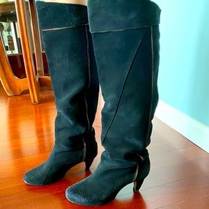 Diesel knee-high black suede boots with piping